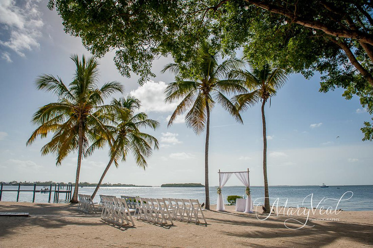 Key largo lighthouse beach florida keys wedding venues for East coast beach wedding locations