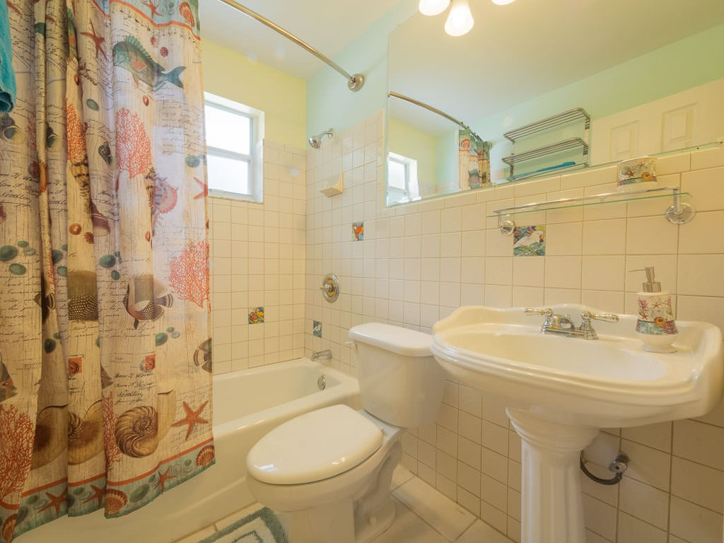 Guest Bathroom #2, Florida beach weddings accommodations