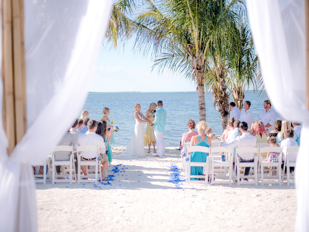 Florida keys wedding venue hidden beach key largo for Small private wedding venues