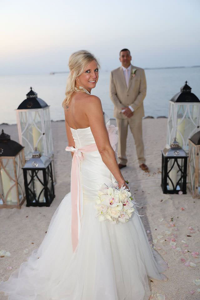 Brides photos destination weddings key largo lighthouse for Key west wedding dresses