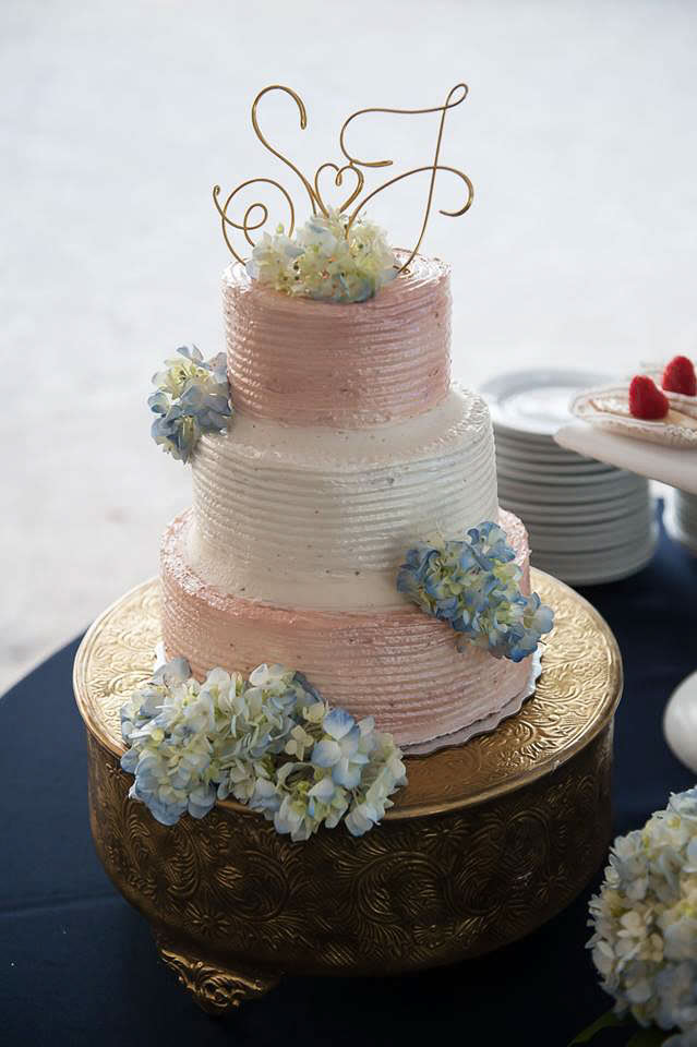 beach-wedding-cakes-113