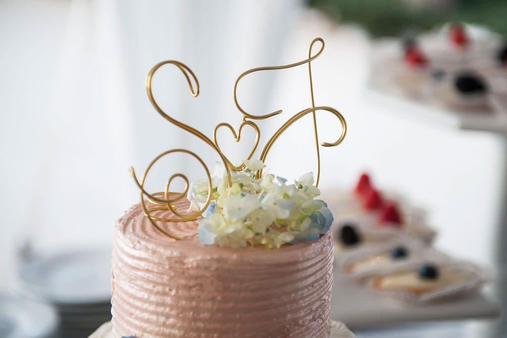 Wedding cakes photos destination weddings key largo lighthouse beach wedding cakes 114 junglespirit Image collections
