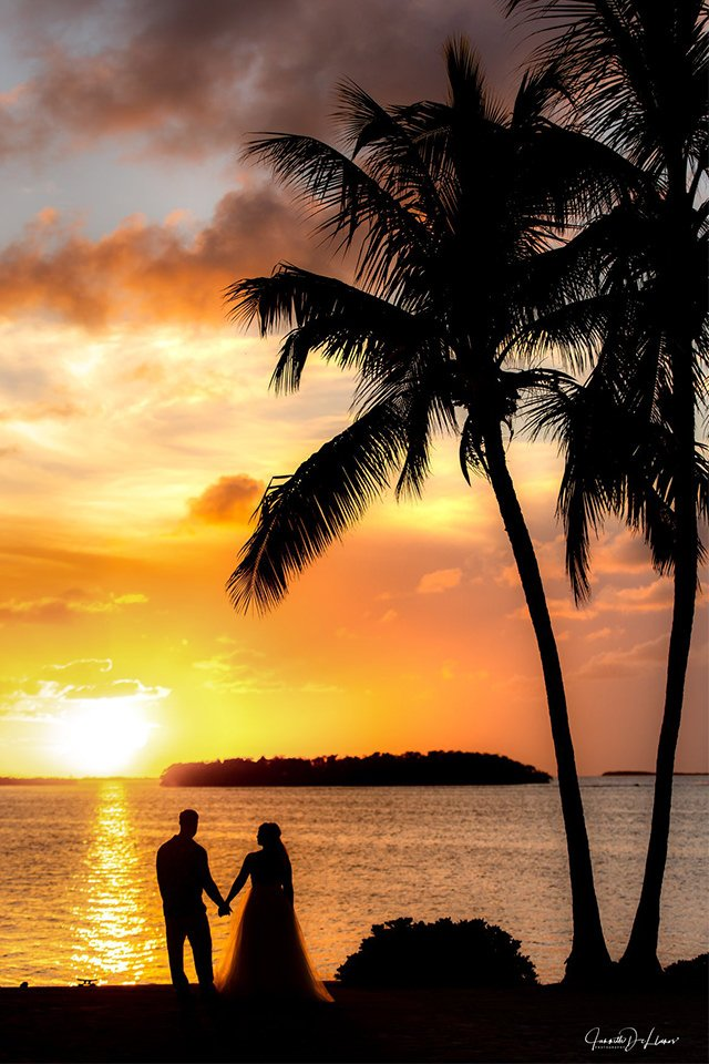 Beautiful sunsets: Florida wedding packages all-inclusive.