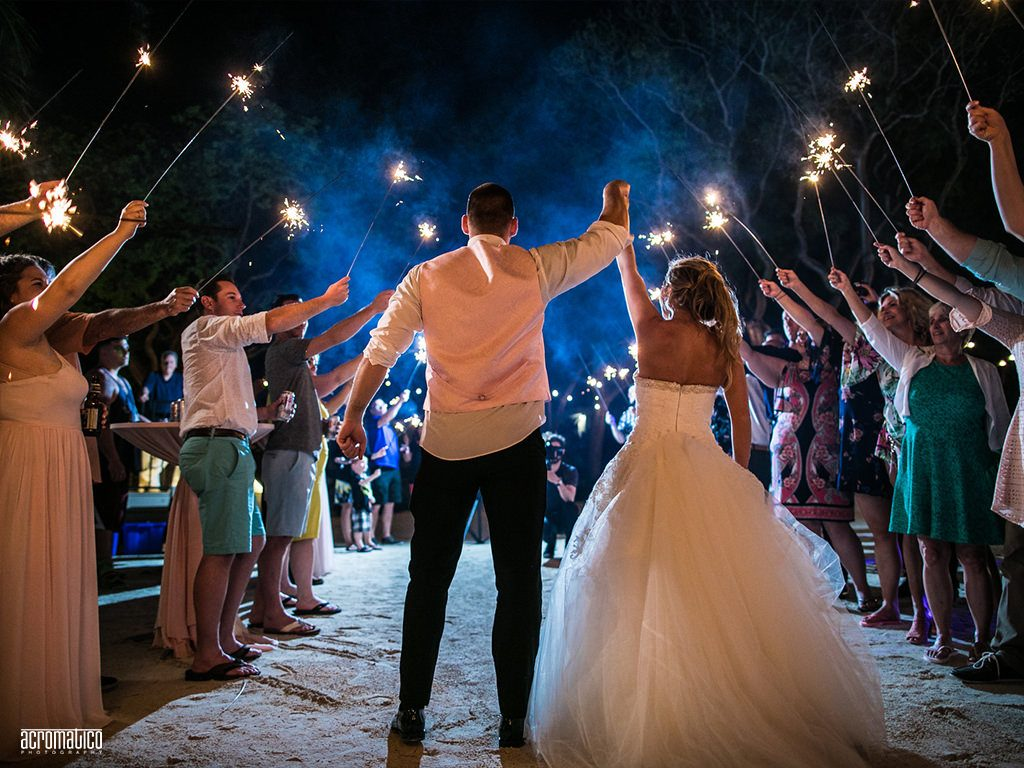 Create simple and fun beach wedding packages in Florida.